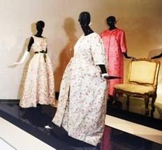 Exposición de vestidos de Balenciaga- Colección Rachel l.  Mellon - 1